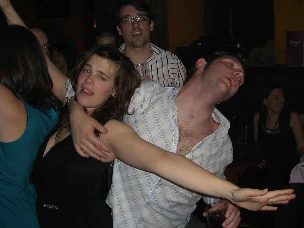 Anstarren, antanzen, anlabern - Flirten mit Testosteron