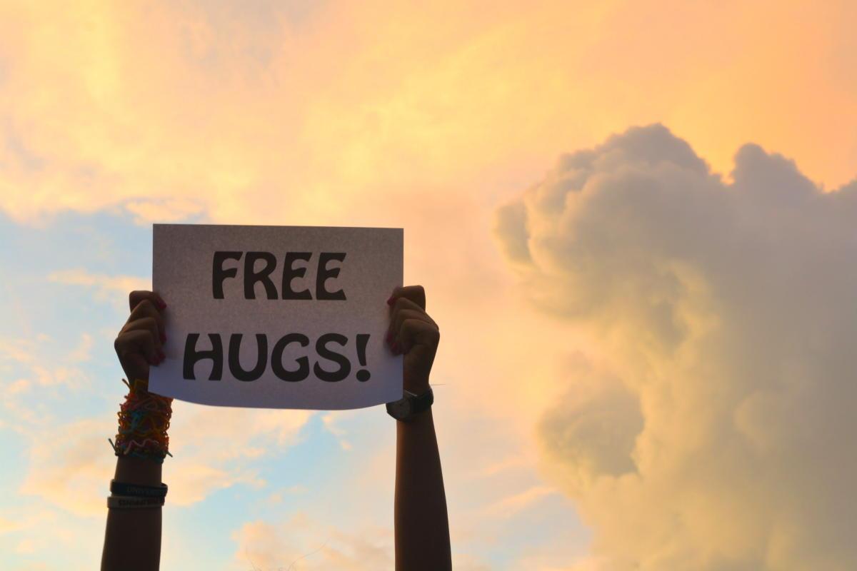 Beitragsbild: Kuschelhormon Oxytocin: Angst einfach wegschmusen