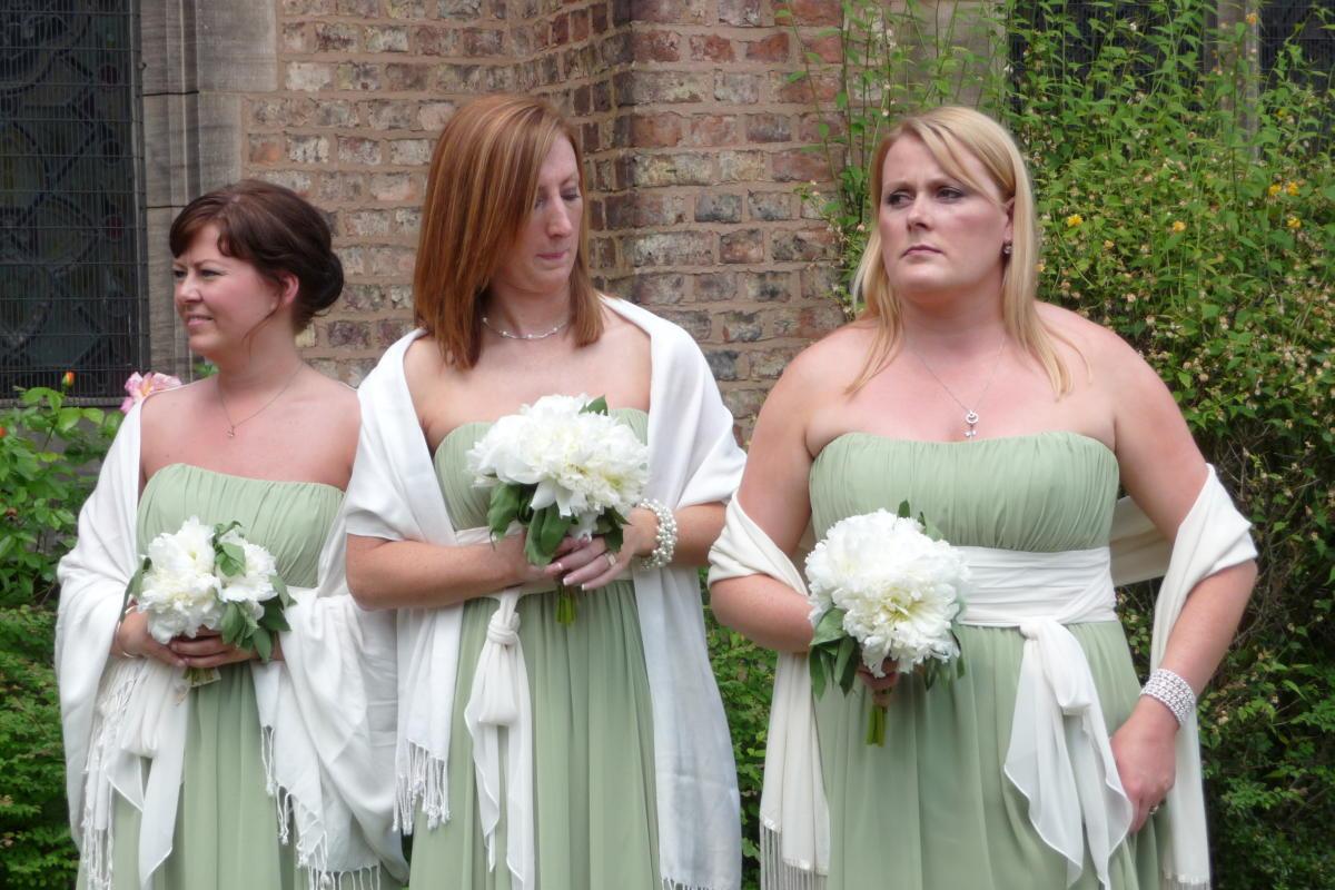 Beitragsbild: Hochzeiten - der kleidertechnische Albtraum aller Frauen