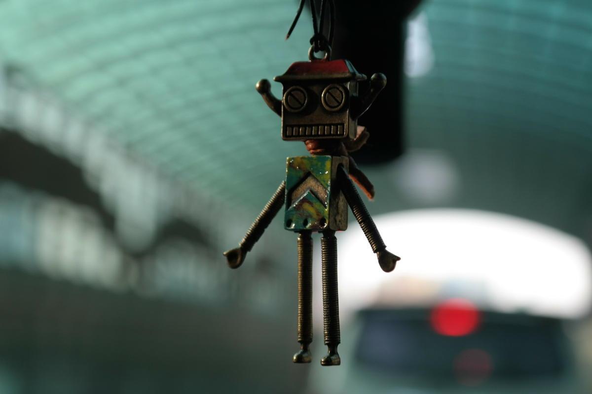 Beitragsbild: Wie ein Staubsauger-Roboter mich aus der Wohnung jagte