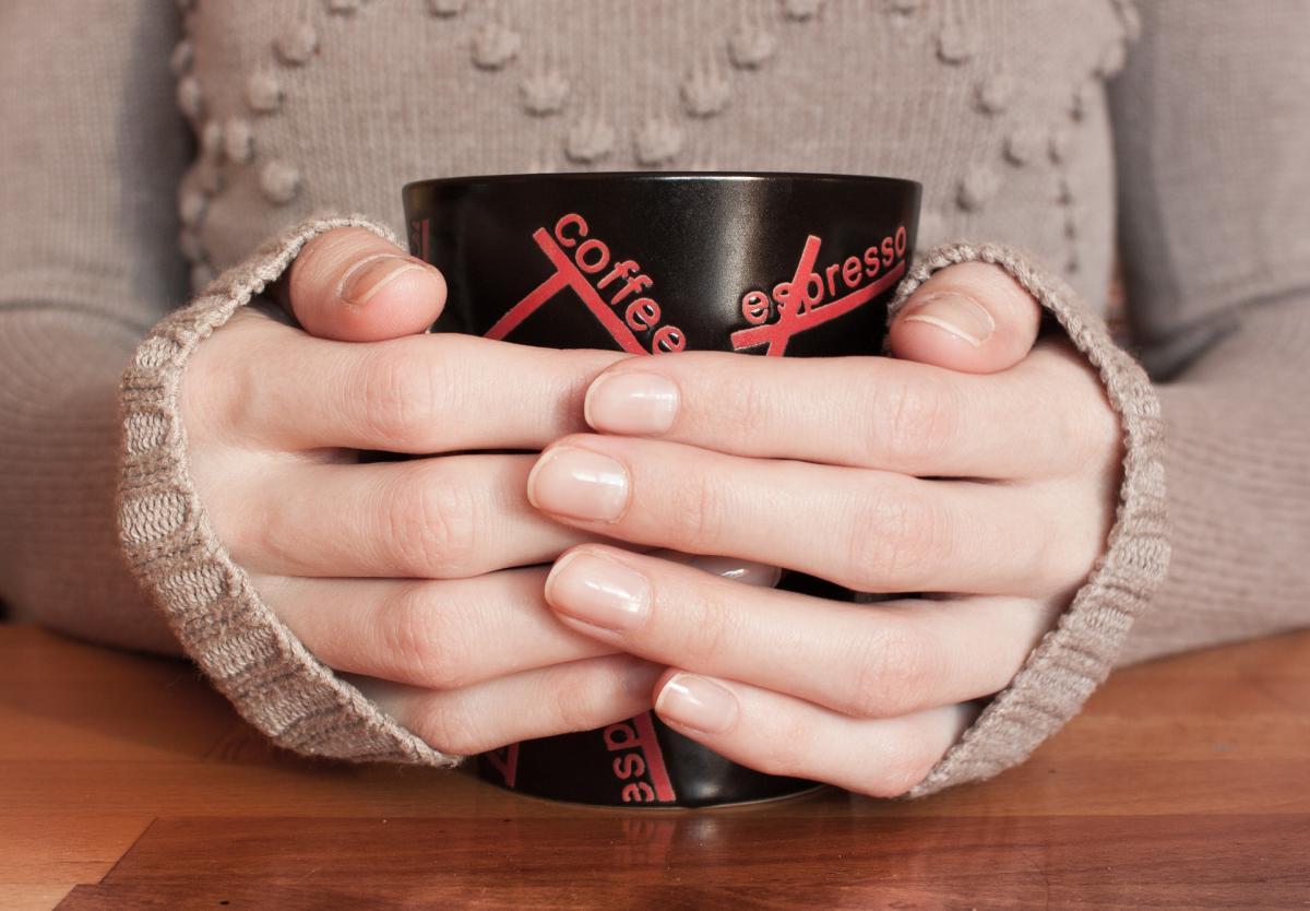 Beitragsbild: Finger weg von meinem Kaffeebecher!