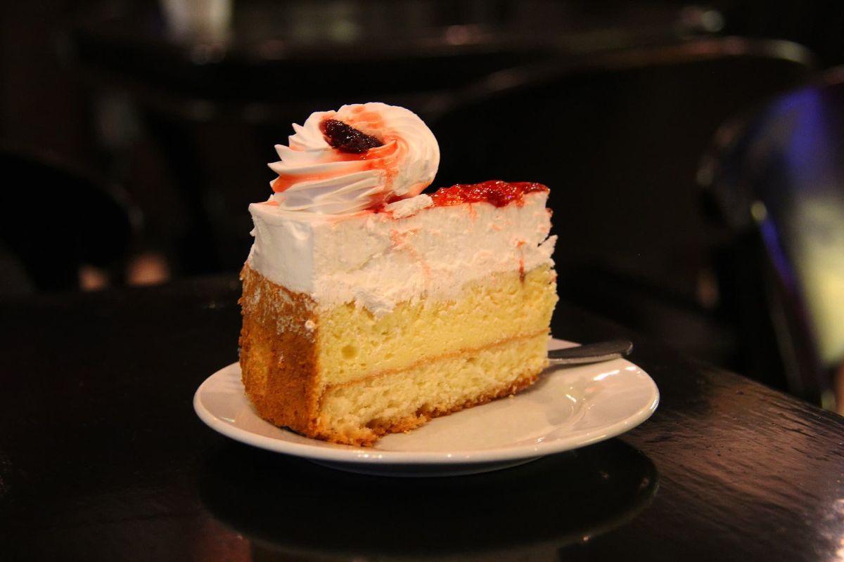 Beitragsbild: Hört auf, mich mit Kuchen zu quälen!